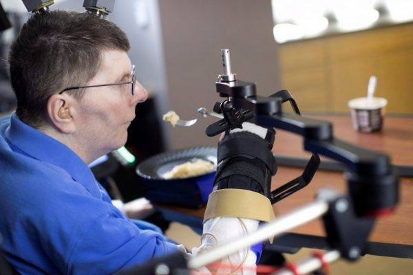 x 'It was amazing': New technology allows paralyzed man to move arm by thinking about it